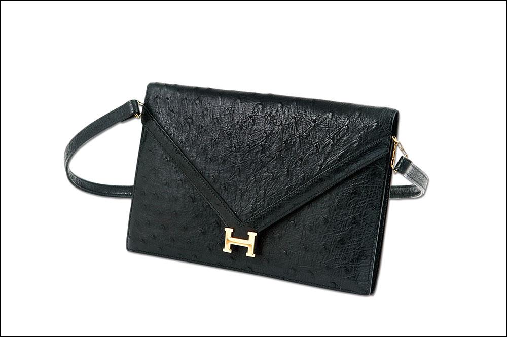 Product Photographer Ireland photographs an Hermes Bag